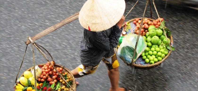 Life of street vendors in Vietnam – Trips in Vietnam